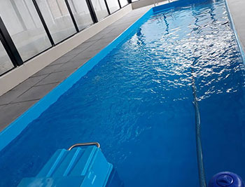 Fiberglass swimming pool-1